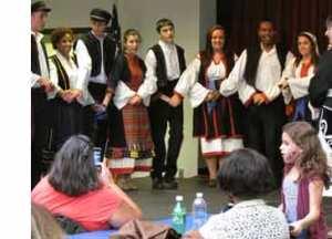 greek-festival-dancers