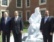 Statue Iranian scientist OU
